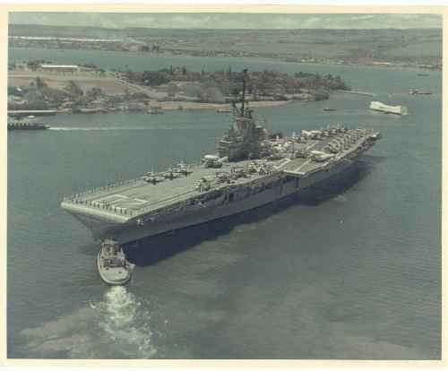 CVS-20 USS BENNINGTON LEAVIGN PEARL HARBOR