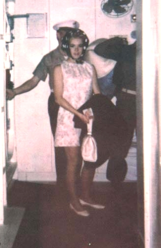 Joey Heatherton coming out of the Captain's cabin in hair rollers!!!